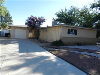 9702 McKnight Avenue NE, Albuquerque, NM