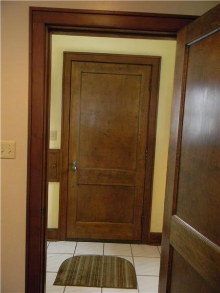 Separate foyer with ceramic tile flooring