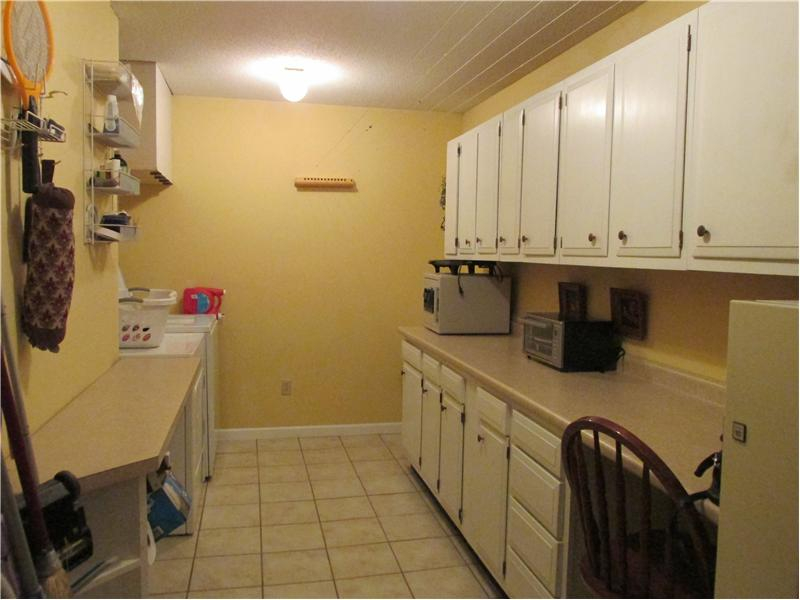 Large pantry/laundry room